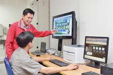 Azbil Vietnam的工作人员提供包括设备操作培训在内的支持,这使Mandarin Garden现场的操作人员可以放心地工作。