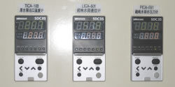 液面や圧力などを計測する調節計