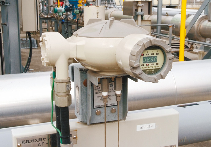SGA400 入口熱量計測を行うSGA400。混合ガスの熱量計測をリアルタイムで行う
