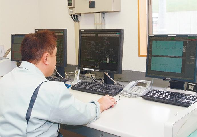 Harmonas 熱量調整所全体の安全制御を担うHarmonas。ガス事業法で定められた発熱量測定として、熱量調整後の出口熱量をHGC303が測定しデータ管理している