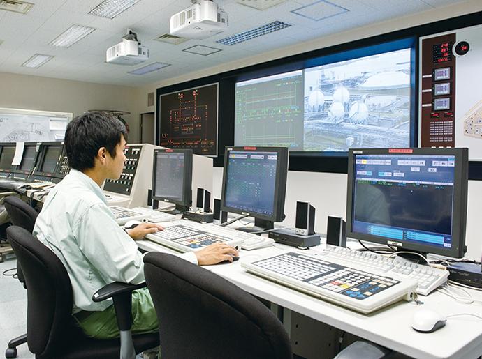 第三期増設工事で計器室に設置されたIndustrial-DEO。