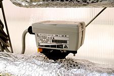 実験棟内のファンコイルユニットに設置されている電動弁 ACTIVAL™(アクティバル)。