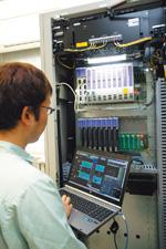 TSSの導入により、浄化センター内の現場電気室、さらには本土側の上水給水ポンプ場などセンター外でもノートPCなどのクライアント端末を使ってIndustrial-DEOの中央監視・制御画面を閲覧、操作できる。