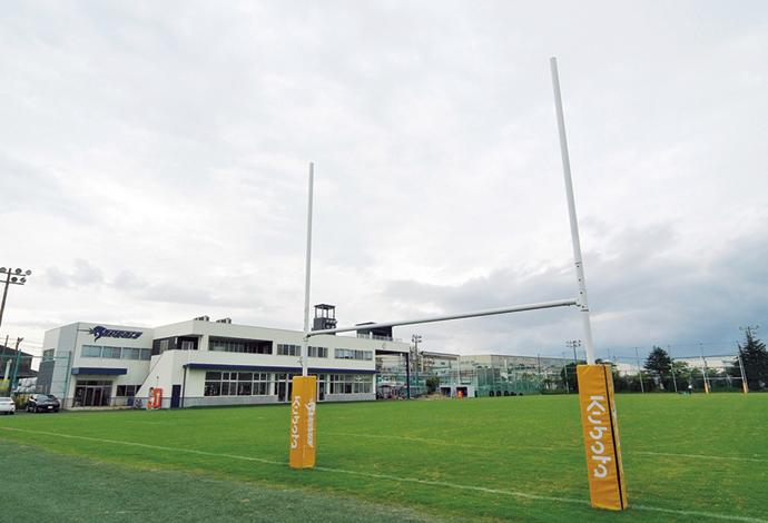 ジャパンラグビー トップリーグで活躍するクボタラグビー部「クボタスピアーズ」のグラウンドも京葉工場内にある。クボタがカンパニースポーツと位置付け強化に取り組んでいる。