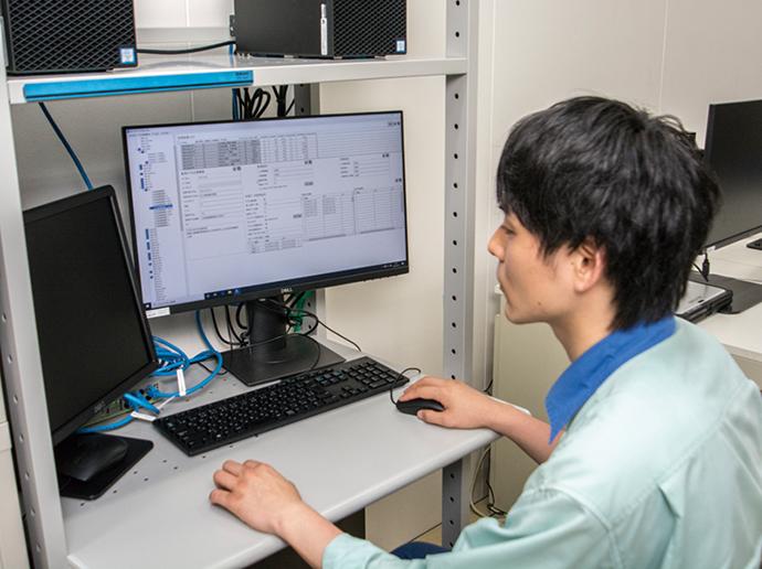コンフィグレーション(設定)画面で、監視対象に関連するポイントを登録し監視モデルを作成する。