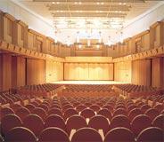昨年11月にオープンした音楽専用ホール「第一生命ホール」(767席)