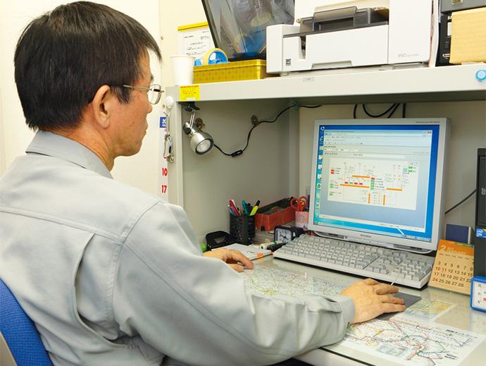 既存の中央監視装置から更新された建物管理システムsavic-net FXmini。操作性が向上し、効率よく管理作業が行える。