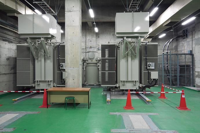 サンピアザとデュオで分かれていた受電系統を統合し、更新された特別高圧設備からデュオ側へ送電している。今回の工事で更新した特別高圧受電トランス7,500kVA×2台