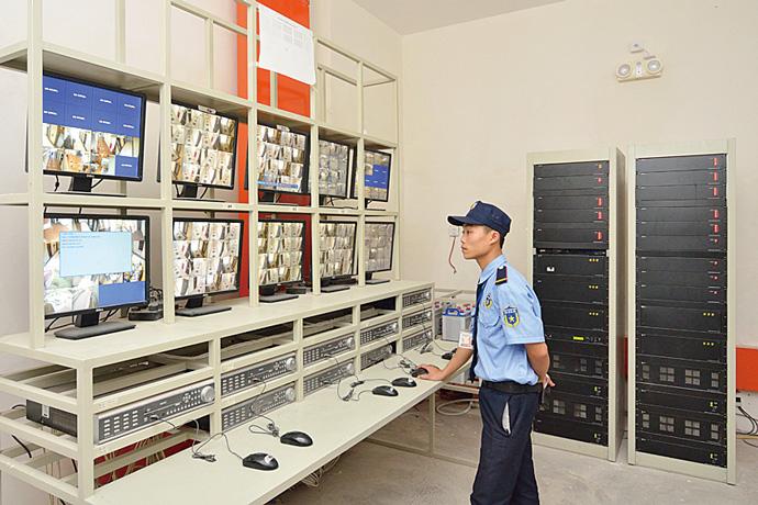 Mandarin Gardenの共用部に設置された監視カメラは、警備担当者により常時集中監視されている。