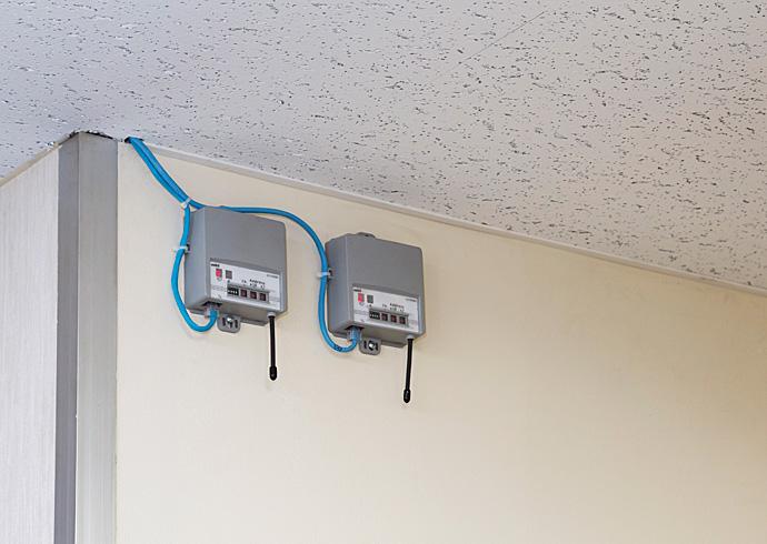 室内形温度/湿度センサ RF受信機。ネオセンサワイヤレスで計測したデータをRF受信機で受信。建物管理システムでモニタリングすることができる。