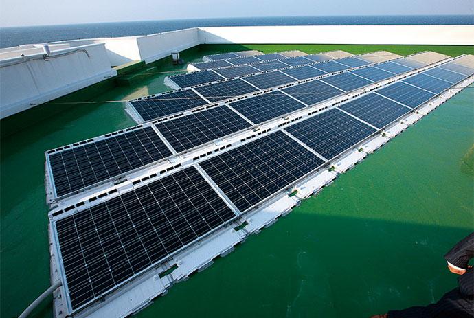 今回の施策では、空調・給湯設備のリニューアルに加えて、有限な水力発電を補完するため、太陽光発電設備も導入された。