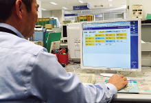 教員の在室情報は、学内ネットワークに接続されたパソコンからも参照可能。教員間で相互の所在確認を行う手段として広く活用されている。