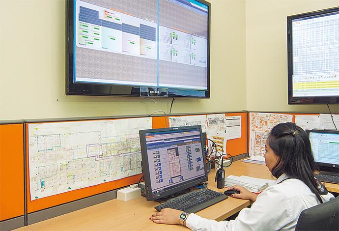 第1期拡張プロジェクトであるスカイタワーエリアの設備を監視・制御するsavic-net FXシステム。監視・制御用の通信をソレア リゾート&カジノ内のイントラネットを活用することでネットワーク工事の負荷軽減を図ったほか、将来の拡張性にも備えることができた。