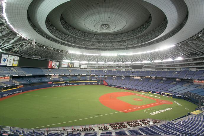 最大55,000人を収容できる京セラドーム大阪の内部。