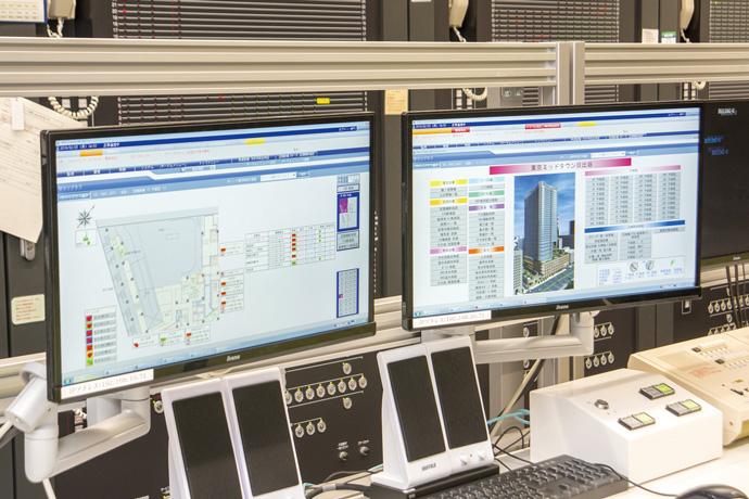 中央監視室でビル全体のセキュリティ状況や、空調などの設備運用状況を一括で監視することができる統合型建物管理システム  セキュリティの操作画面。
