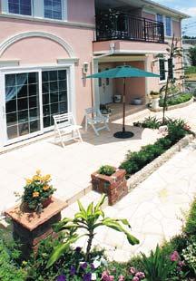 リゾート風設計の庭テラス