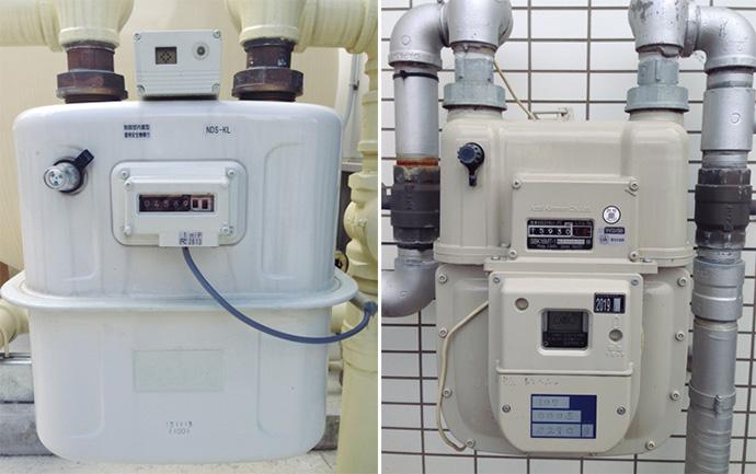 大型ガスメーター KLメーター(左)とSBメーター(右)。検定満期時に回収した大型メーターを新品同様に修理し、会員登録されている次のユーザーの交換メーターとして支給する「大型メーター修理倶楽部 リペクラ(TM)」をアズビル金門が立ち上げた。従来、検定満期時には新しいメーターを購入するなど、非常にコスト高になっていた大型のガスメーターについて、ほかのガス事業者と協力することで環境にも配慮した仕組みづくりを構築した。